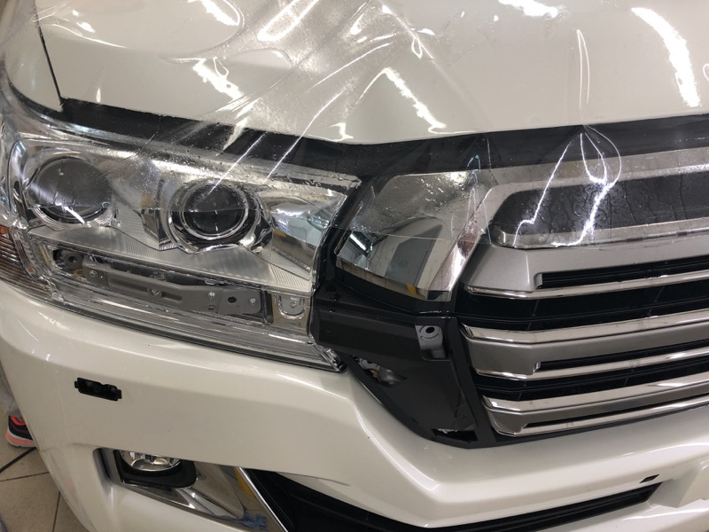 Пример защиты автомобиля кузова и элементов от сколов и гравия